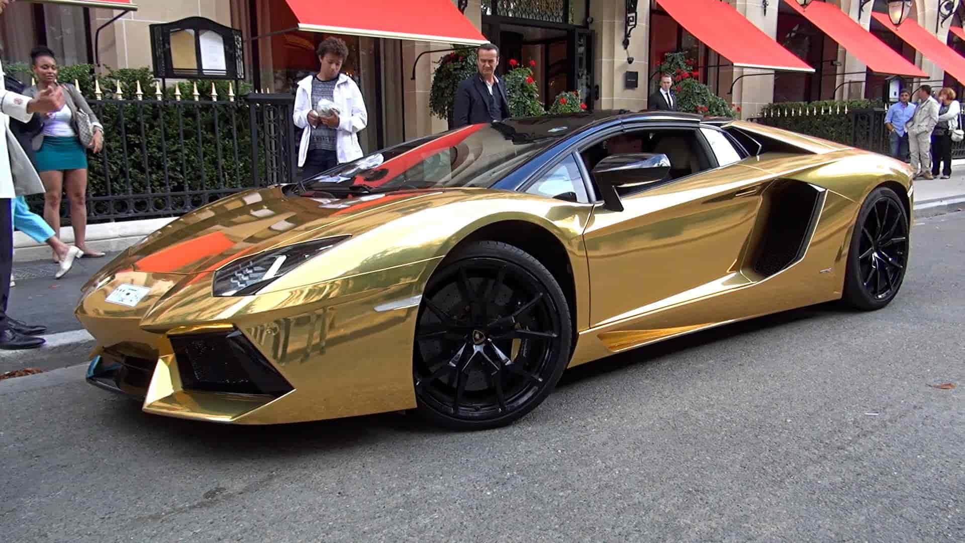 Lamborghini Aventador CAr gold